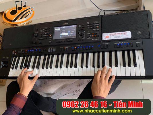 Khách mua đàn organ yamaha psr sx700 cũ tại Nhạc cụ Tiến Minh